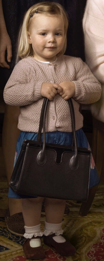 Queen 90 Photo Portrait Annie Leibovitz Mia Tindall Queen's handbag April 20 2016