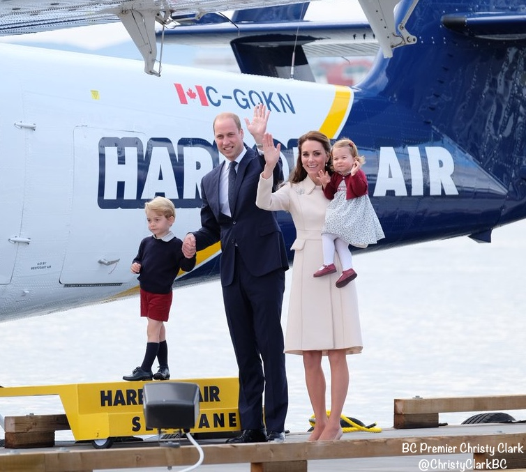 cambridge-depart-canada-kate-william-charlotte-george-at-seaplane-via-cc